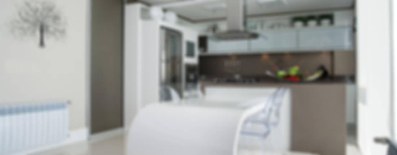 Residência: Cozinhas  por Andreia Benini Arquiteta