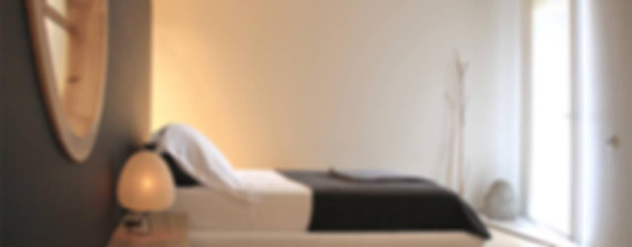 Japón en BCN: diseño y reforma integral de una vivienda en Pedralbes Daifuku Designs Dormitorios de estilo minimalista