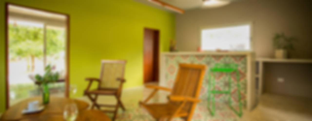 Modern Living Room by TACO Taller de Arquitectura Contextual Modern