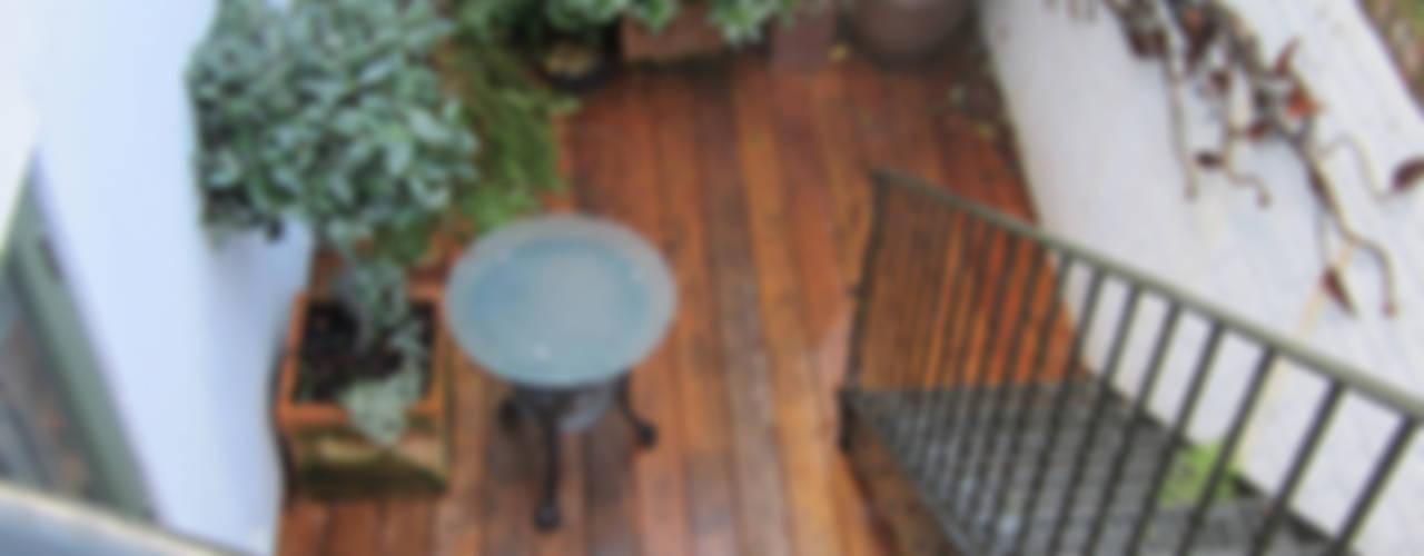 Basement garden Rustic style balcony, veranda & terrace by Greenmans Yard Rustic