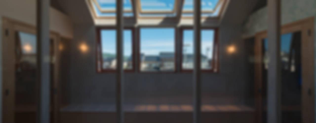 .: 水野行偉建築設計事務所が手掛けた窓です。,モダン