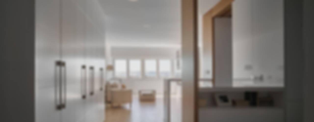 Reforma integral en los remedios Salones de estilo moderno de CM4 Arquitectos Moderno