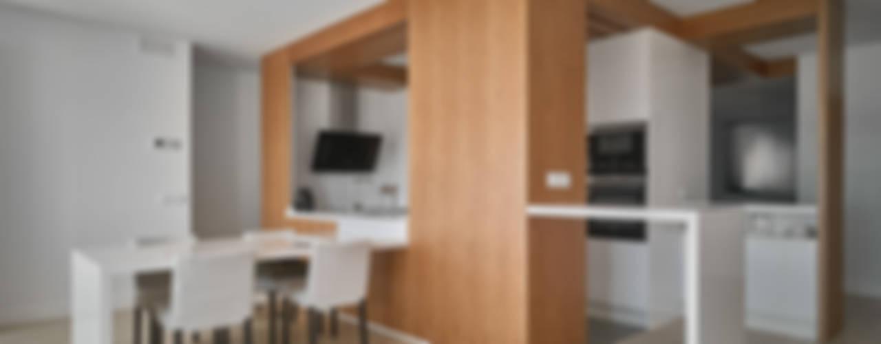 Cucina in stile  di CM4 Arquitectos