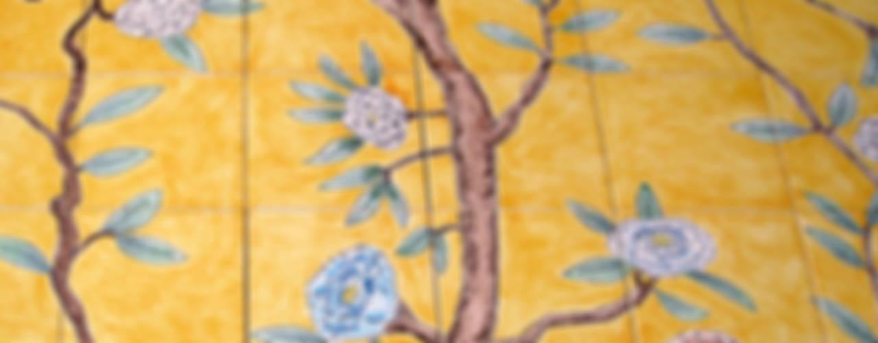 Chinoiserie 和風の お風呂 の Reptile tiles & ceramics 和風