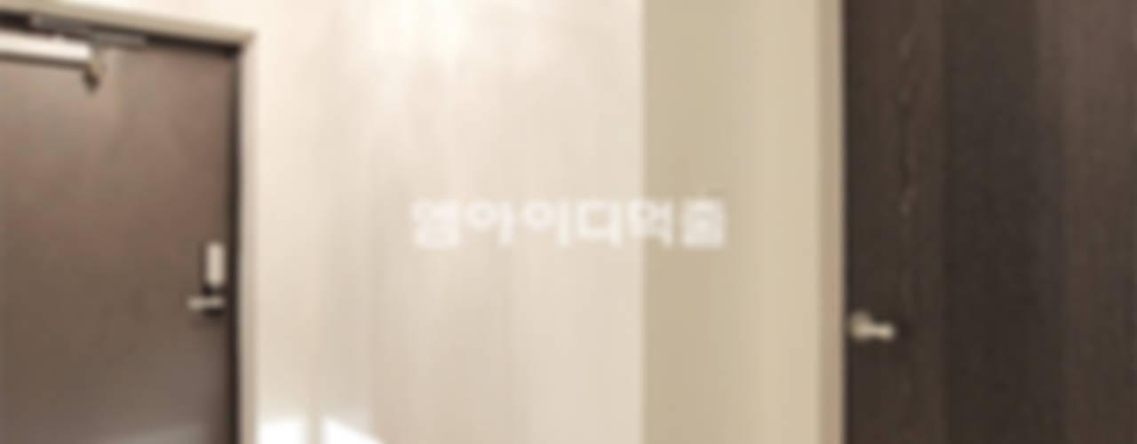 이태원 청화아파트 58평형 MID 먹줄 모던스타일 복도, 현관 & 계단