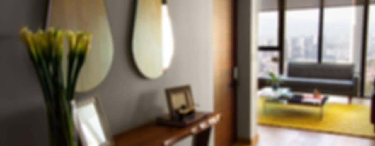 現代風玄關、走廊與階梯 根據 Concepto Taller de Arquitectura 現代風