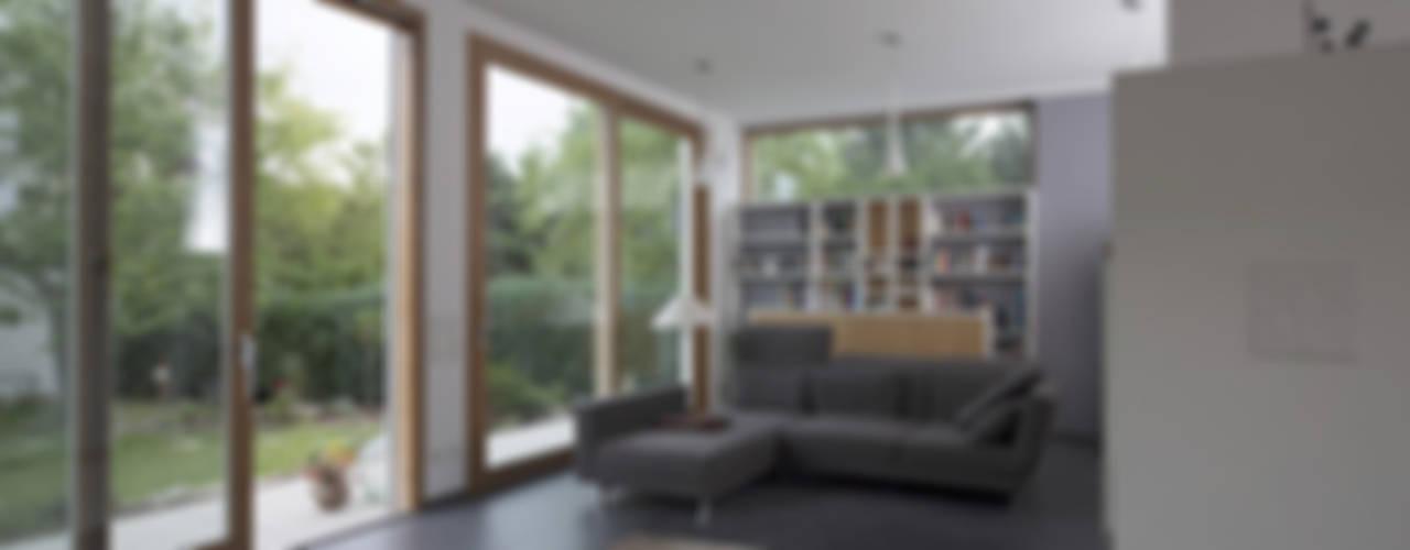 Wohnbereich :  Wohnzimmer von Gerstner Kaluza Architektur GmbH