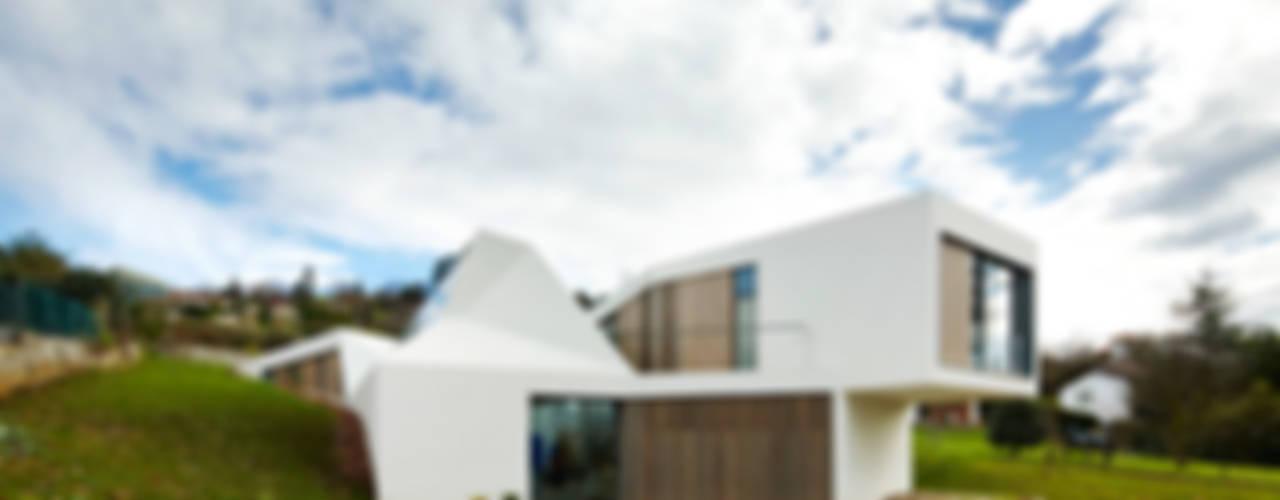 Дома в стиле лофт от miba architects Лофт