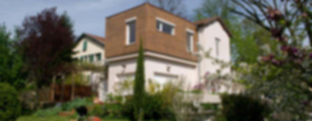 Extension bois sur terrasse, Saint Genis Laval Maisons modernes par RGn architecte Moderne