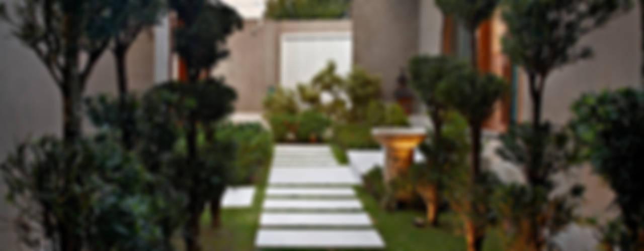 Jardines de estilo moderno de CP Paisagismo Moderno
