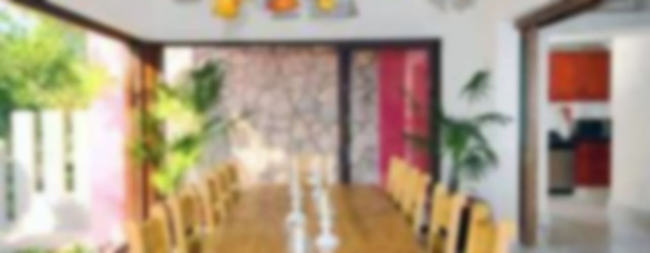 Villas Mandarinas:  de estilo  por CASA MÉXICO