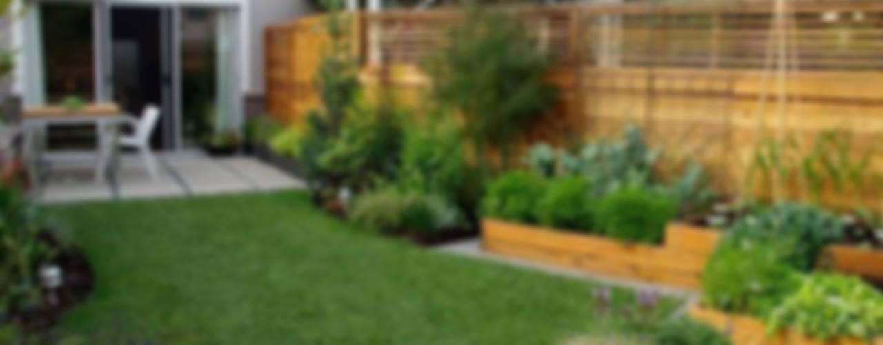 Jardines de estilo clásico de Dotto Francesco consulting Green Clásico