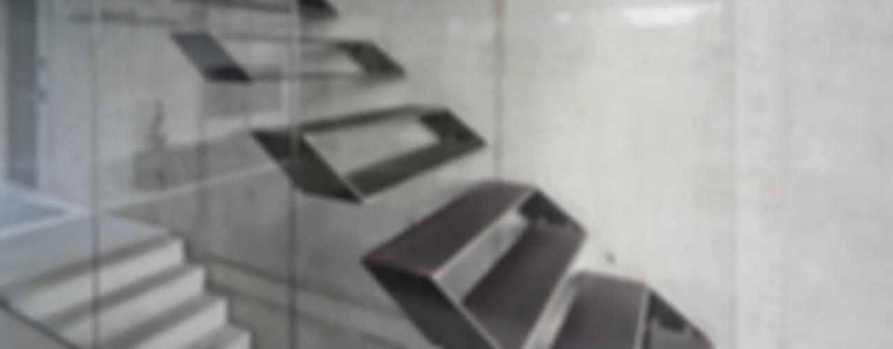 Коридор и прихожая в . Автор – Schiller Architektur BDA,