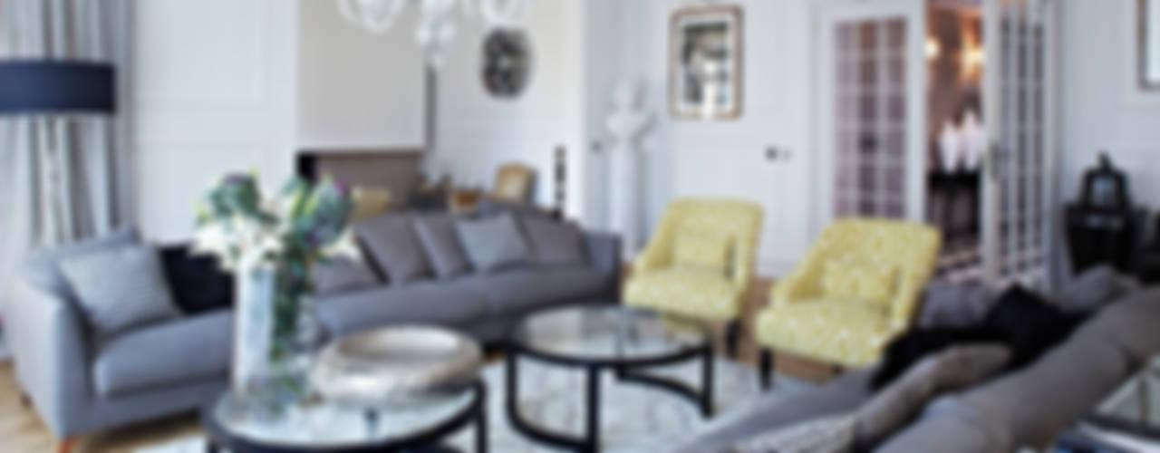Dom w Wilanowie: styl , w kategorii Salon zaprojektowany przez BBHome Design,Klasyczny