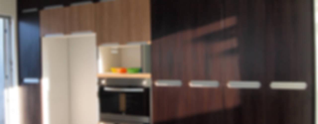 Cocinas:  de estilo  por Amarillo Interiorismo, Moderno