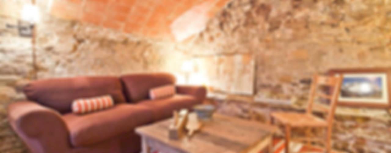 Adegas rústicas por Home Deco Decoración Rústico