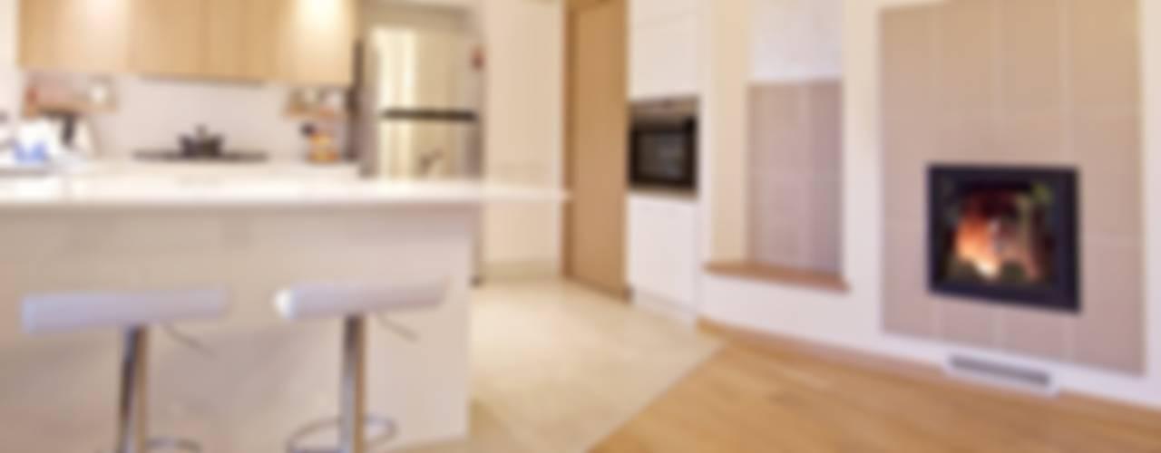 Moderne Küchen von Modularis Progettazione e Arredo Modern