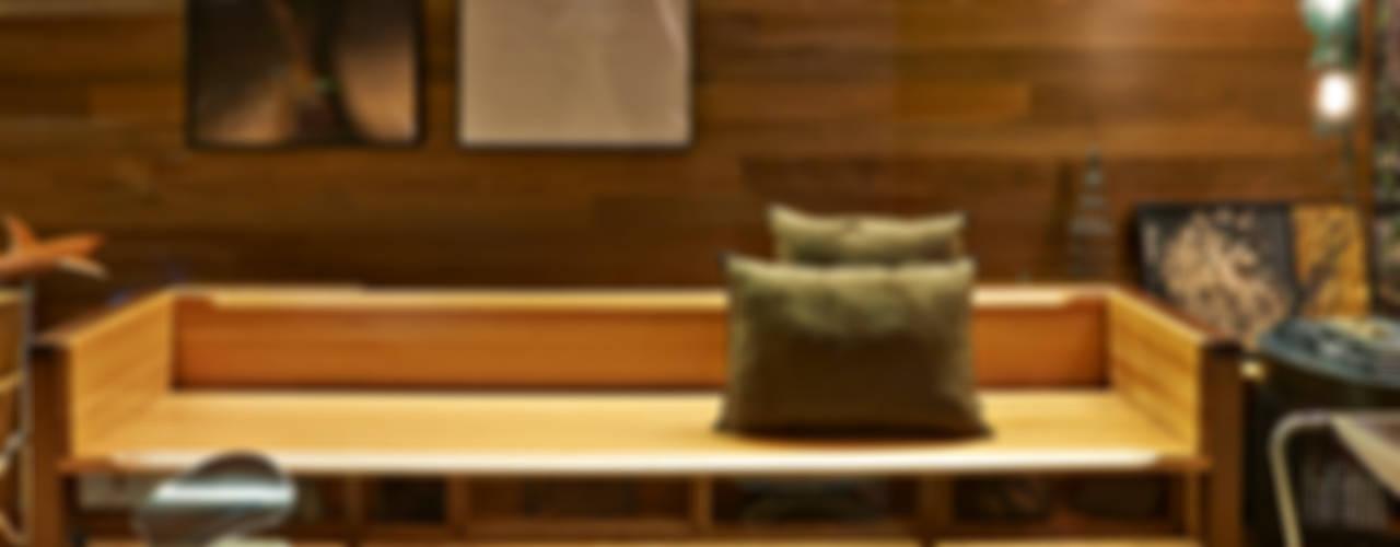 Salas de estilo rústico por Cristina Menezes Arquitetura