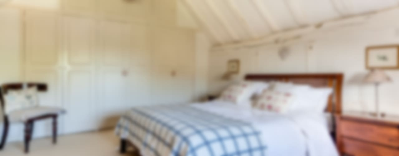 A cottage of two halves Country style bedroom by Forest Eyes Photography Country
