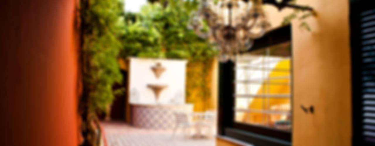 Balcones y terrazas de estilo mediterráneo de CID DELTA, SA Mediterráneo
