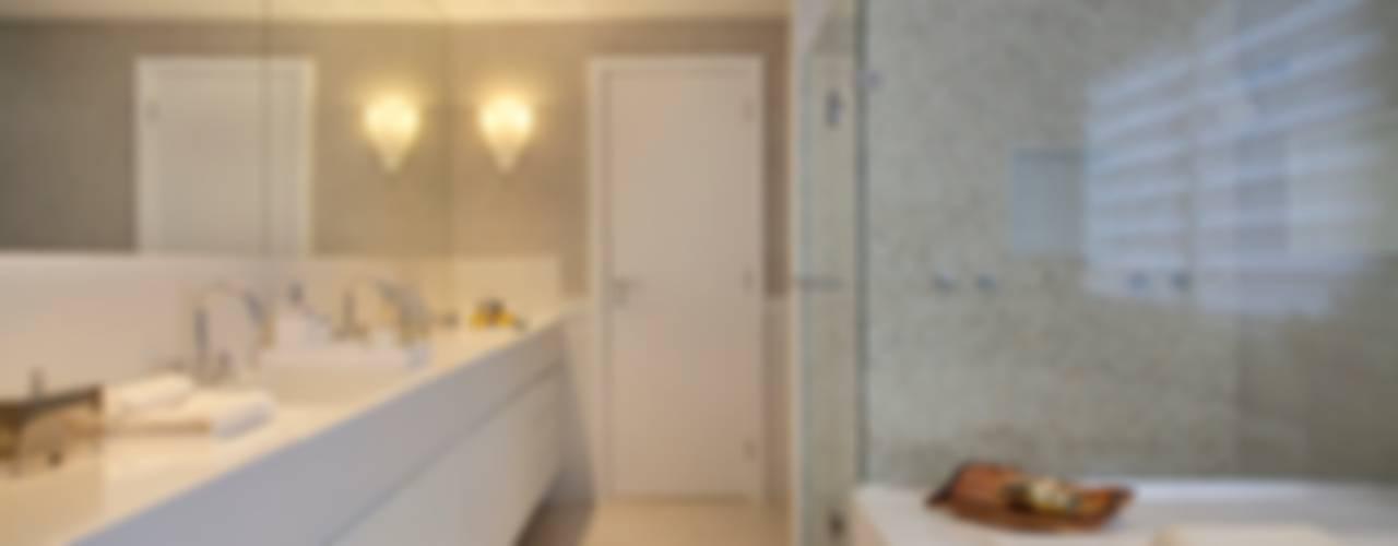 Residência Santa Monica Jardins VL Banheiros modernos por ANGELA MEZA ARQUITETURA & INTERIORES Moderno