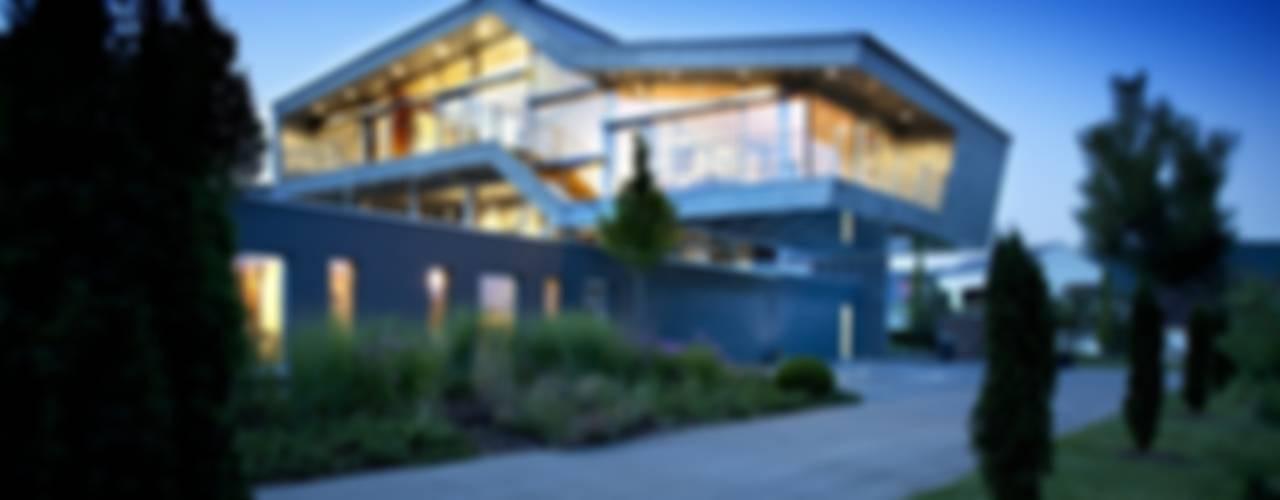Haus Stahl:  Häuser von Gira, Giersiepen GmbH & Co. KG