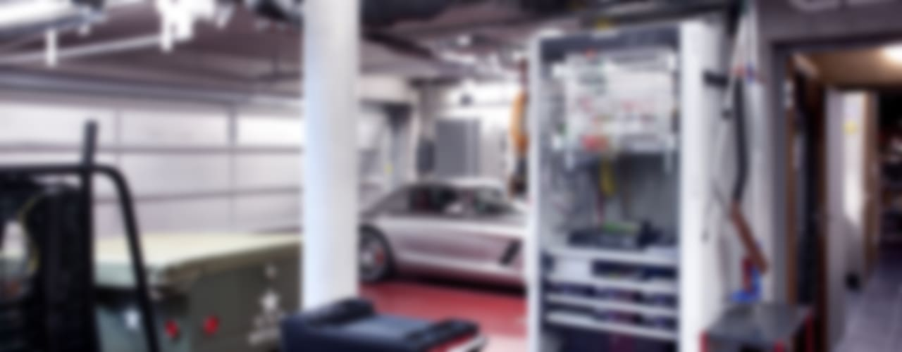 Gira, Giersiepen GmbH & Co. KG Garage / Hangar modernes