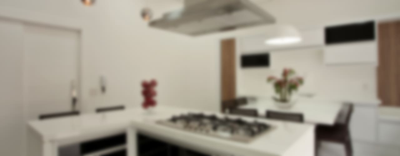 Casa Tamboré Cozinhas modernas por Arquiteto Aquiles Nícolas Kílaris Moderno