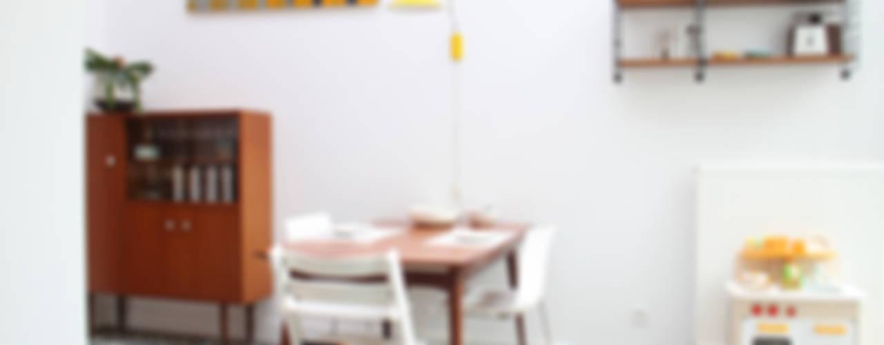 inrichten appartement te Antwerpen Moderne eetkamers van studio k Modern