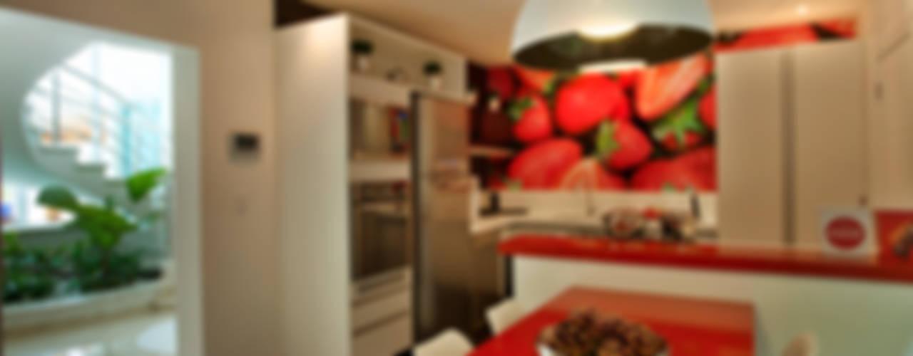 Modern Kitchen by Designer de Interiores e Paisagista Iara Kílaris Modern