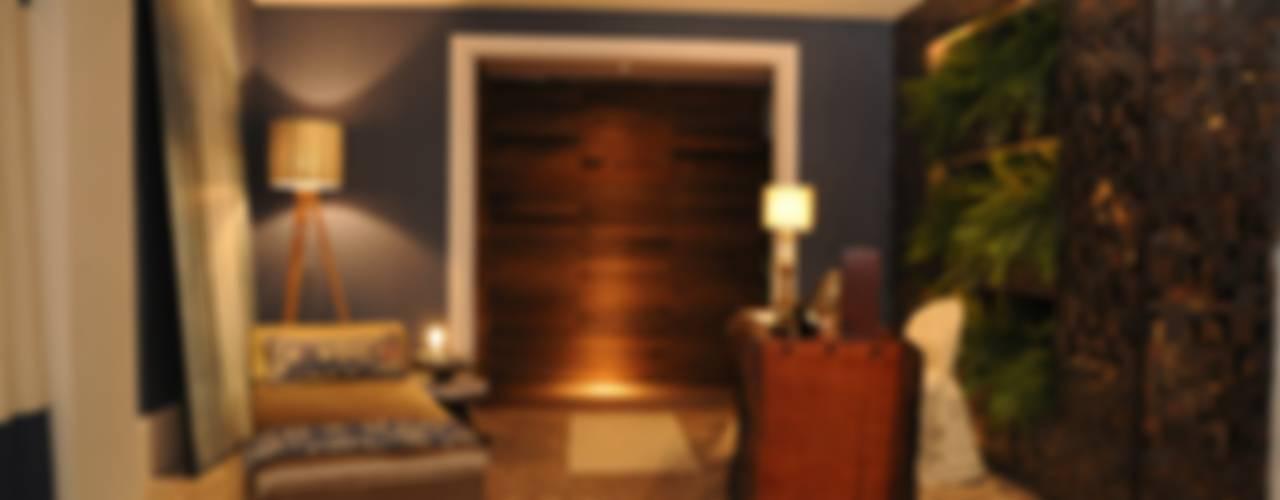 現代風玄關、走廊與階梯 根據 Folha Paisagismo 現代風