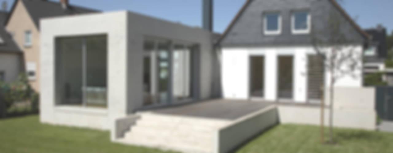 Дома в стиле модерн от Oliver Keuper Architekt BDA Модерн