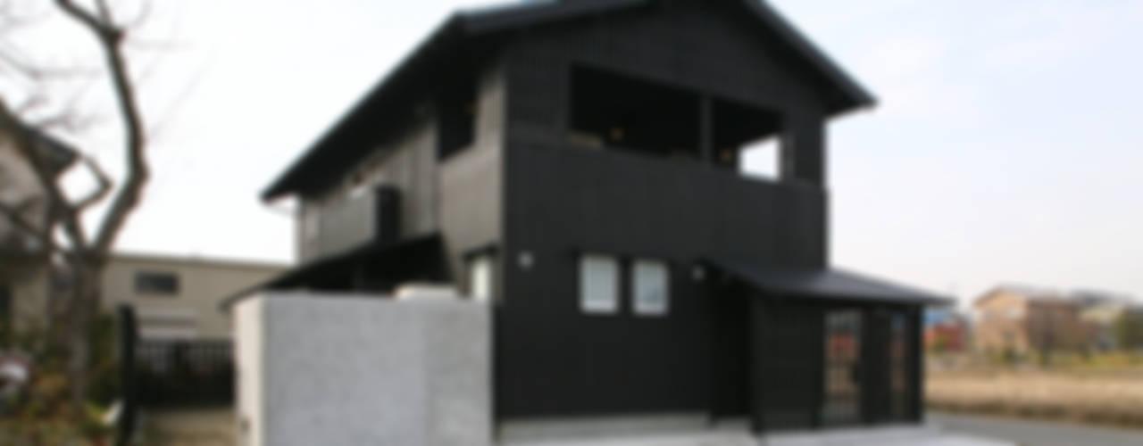 個人住宅 2009: 篠田 望デザイン一級建築士事務所が手掛けた家です。,ラスティック