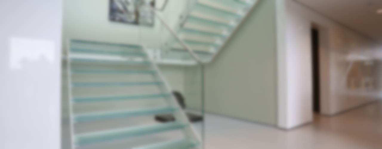 EeStairs® Glazen trappen: modern  door EeStairs | Stairs and balustrades, Modern