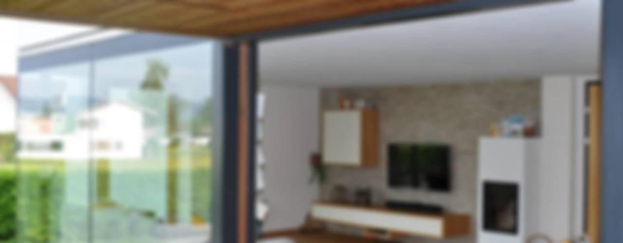 Sanierung Einfamilienhaus Kirchberger Moderne Wohnzimmer von reichart bauplanungsgmbh Modern