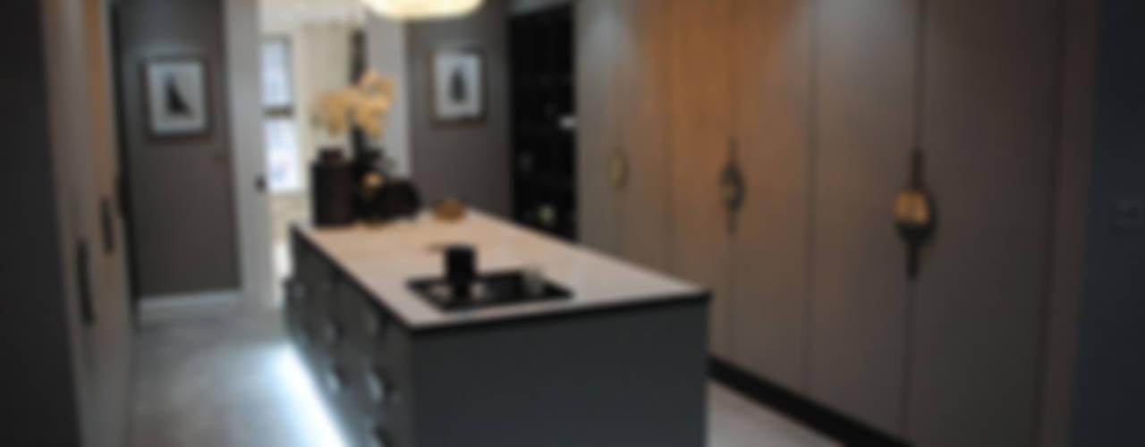Counter Top by Cocovara Interiors Гардеробная в стиле модерн от ShellShock Designs Модерн