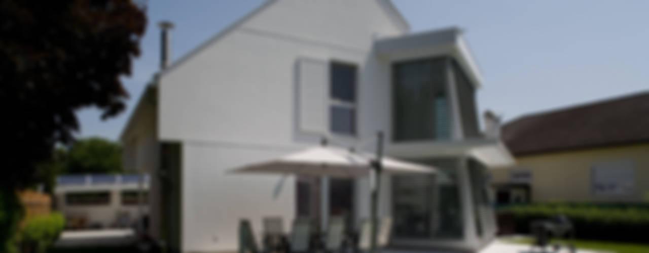 ELK Haus 189 Moderne Häuser von ELK Fertighaus GmbH Modern
