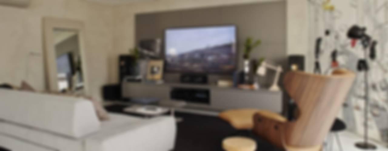 Salas multimedia modernas de Lovisaro Arquitetura e Design Moderno