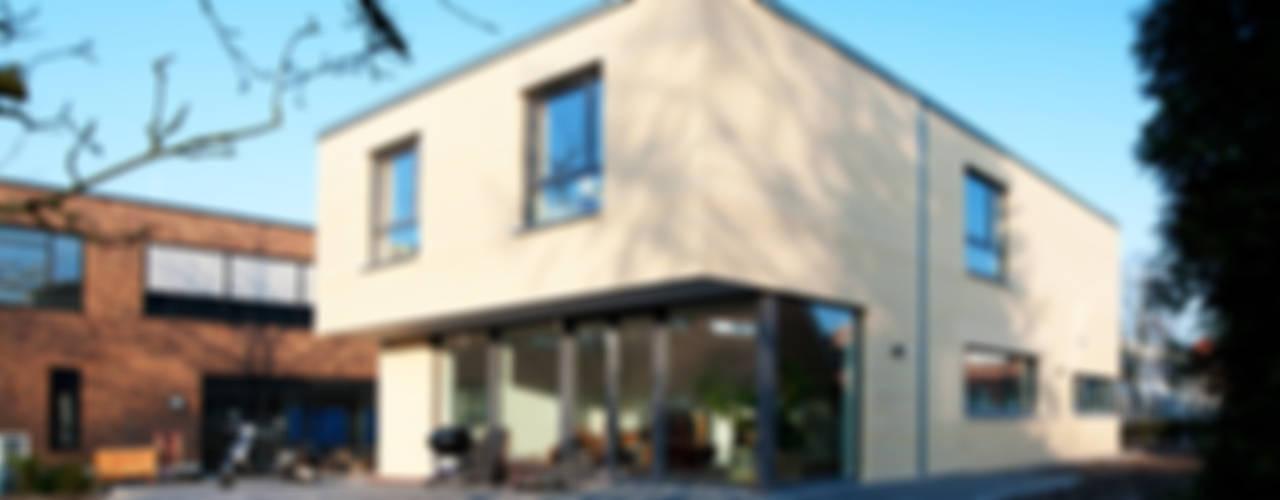 Modern Houses by w+p architekten Modern