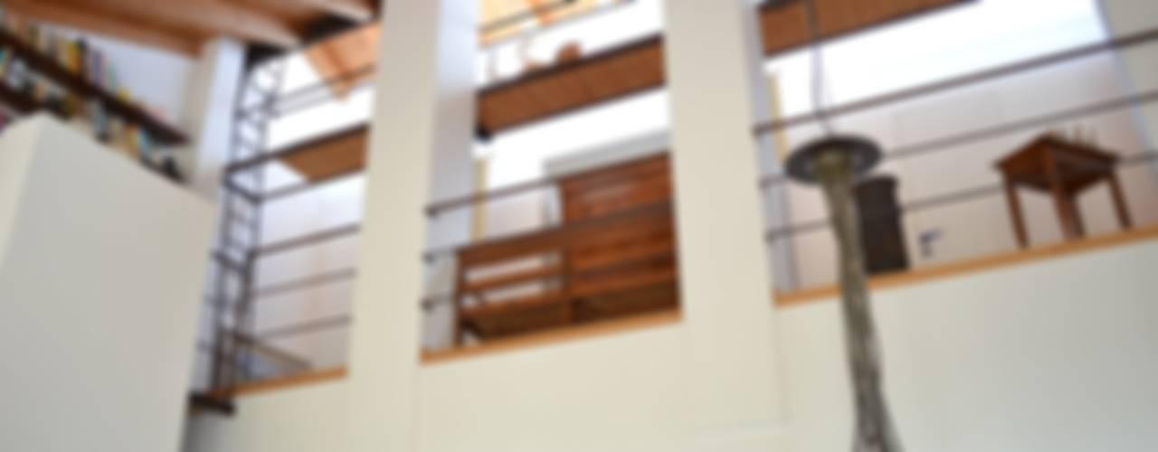 Terrazas de estilo  por Studio Thesia Progetti