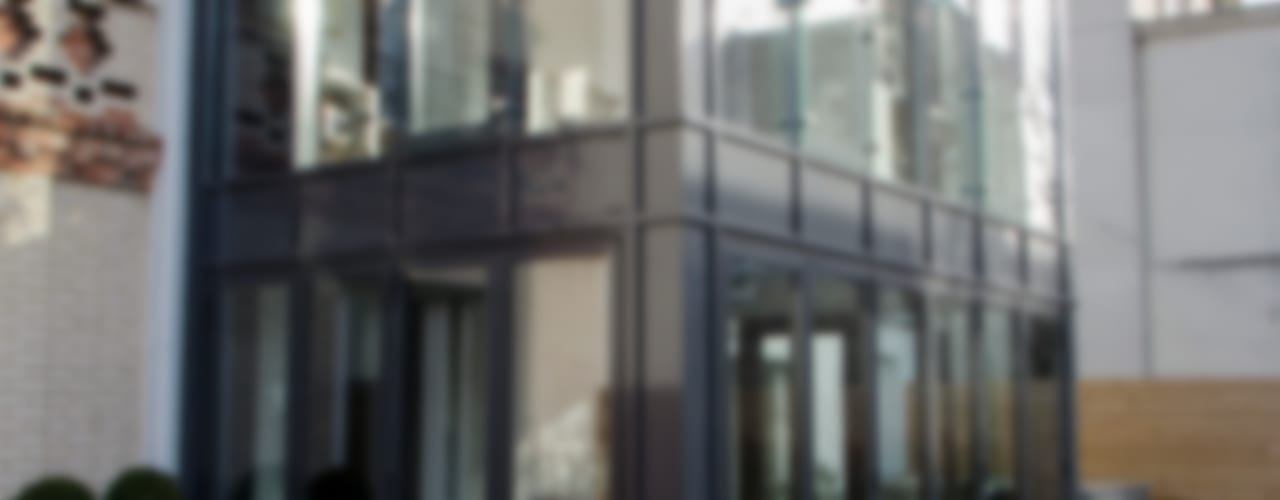 Menuiserie Métallique Balcon, Veranda & Terrasse modernes par METALLERIE SCHAFFNER Moderne