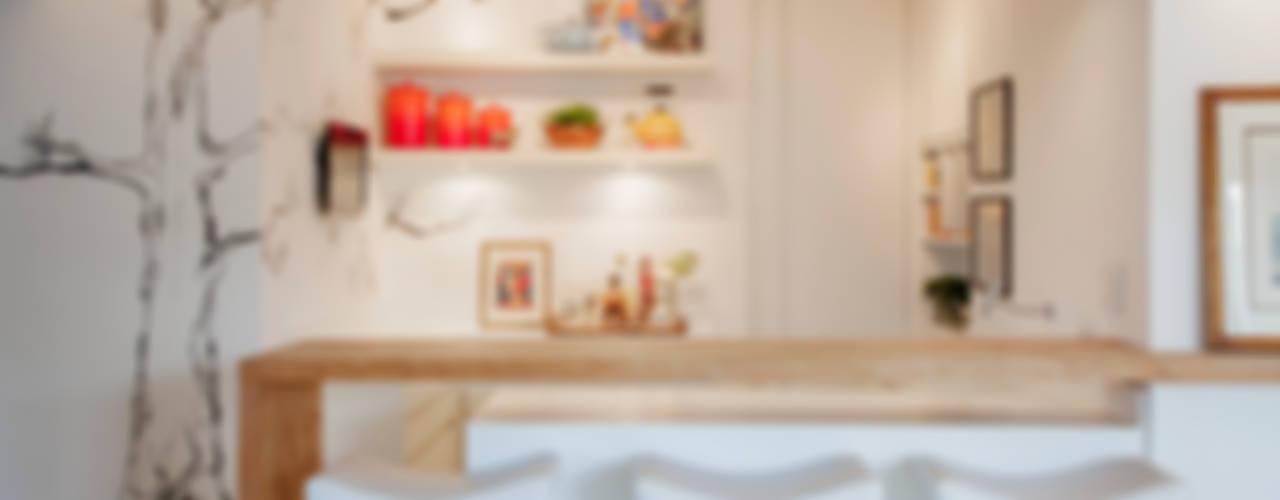 Mediterranean style kitchen by Helô Marques Associados Mediterranean
