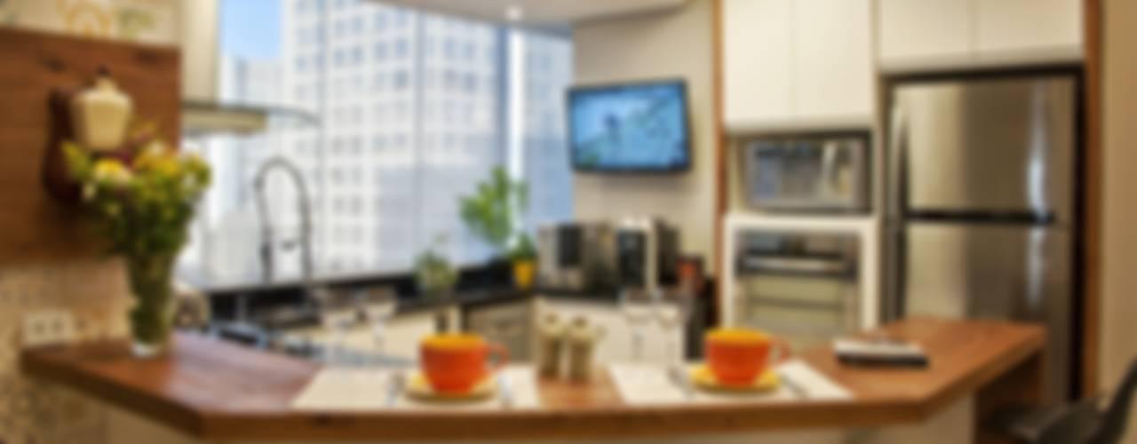 Nhà bếp phong cách hiện đại bởi Tania Bertolucci de Souza | Arquitetos Associados Hiện đại