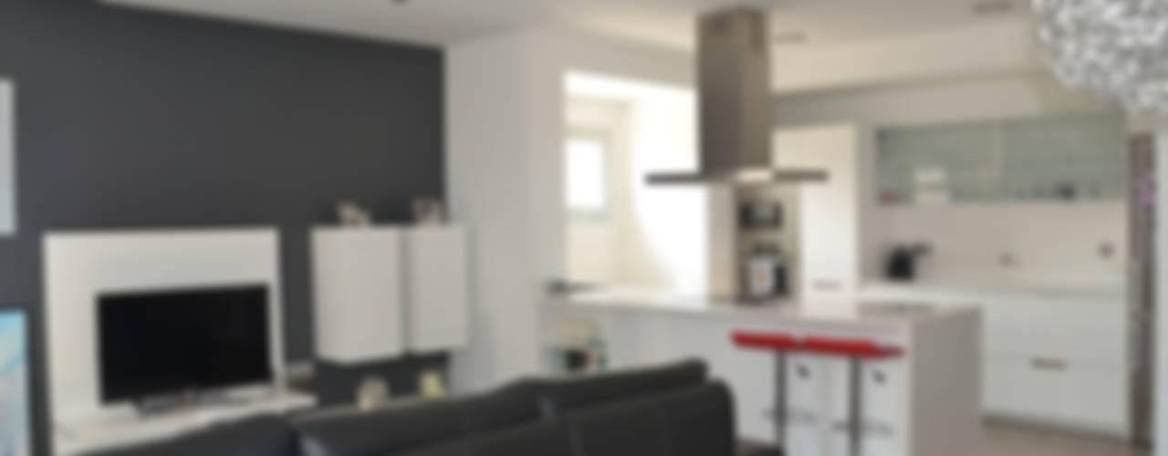Casa Victor & MªJosé Cocinas de estilo moderno de Mireia Cid Moderno