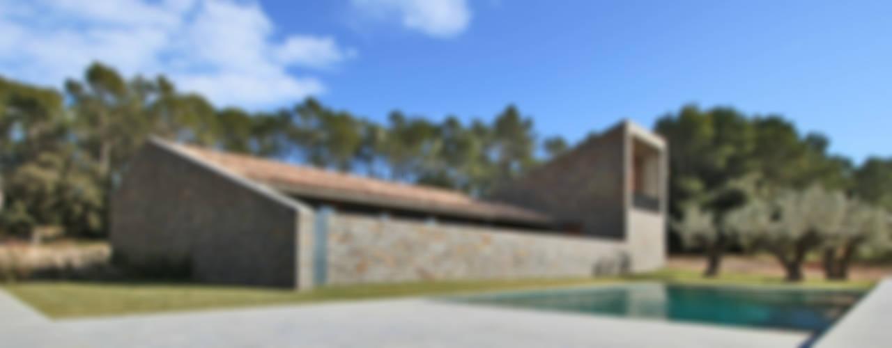 Casa rurale di bellafilarquitectes Rurale