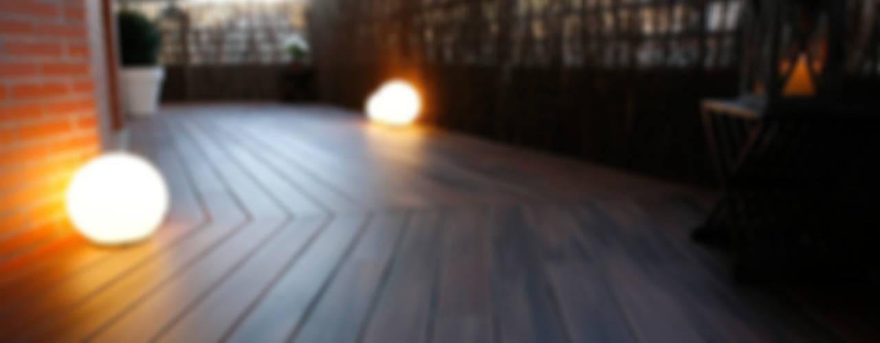 Decoración interior de duplex acogedor, Sube Susaeta Interiorismo - Sube Contract Balcones y terrazas de estilo moderno de Sube Susaeta Interiorismo Moderno