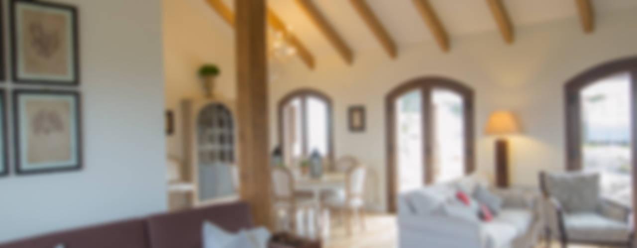 Salas / recibidores de estilo  por Canexel