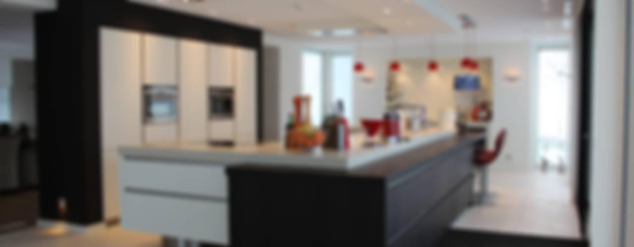 Moderne strakke kookeilanden Moderne keukens van Tinnemans Keukens Modern