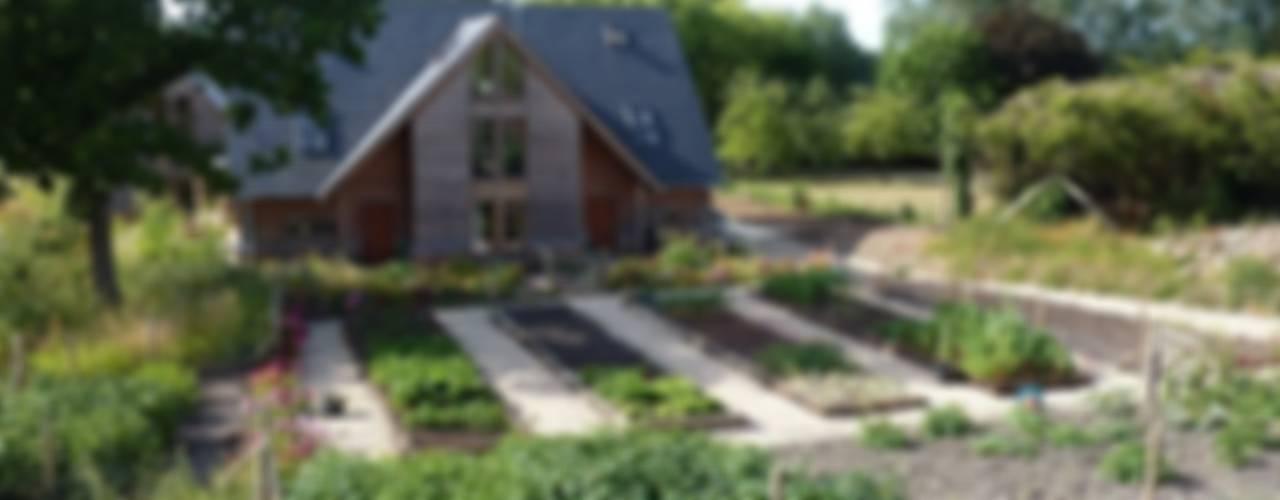 Featherbrook House Modern garden by PKA Architects Ltd Modern