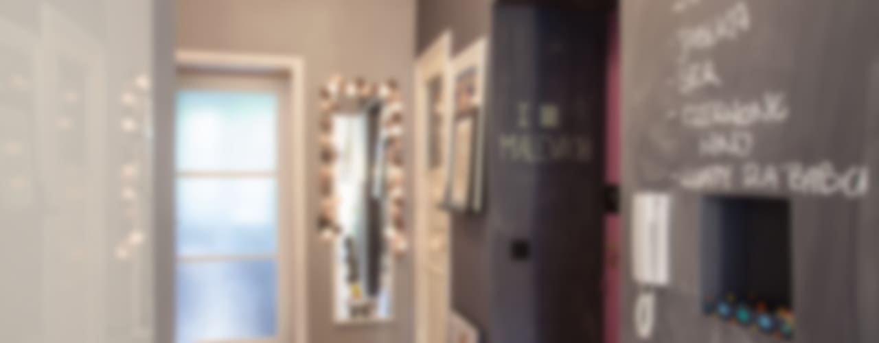Pasillos, vestíbulos y escaleras eclécticos de Pink Pug Design Interior Ecléctico